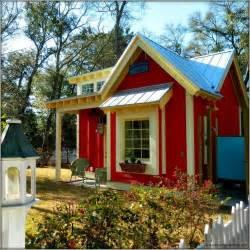 Stunning Tiny Cottage Homes garden potting sheds
