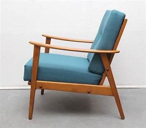 Fauteuil Bois Et Tissu : fauteuil vintage en bois massif et tissu bleu p trole ~ Melissatoandfro.com Idées de Décoration