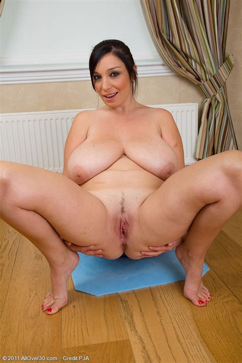 Busty And Mature Michelle B Gets Intimate With Her Pilates Ball Pichunter