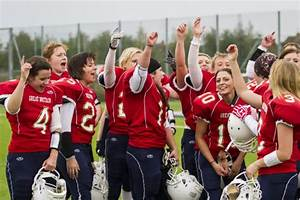 The Complete List of Women's American Football Teams in ...