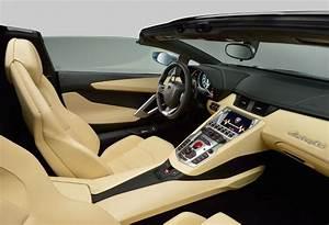 Lamborghini Aventador LP 700-4 Roadster : 2013 | Cartype