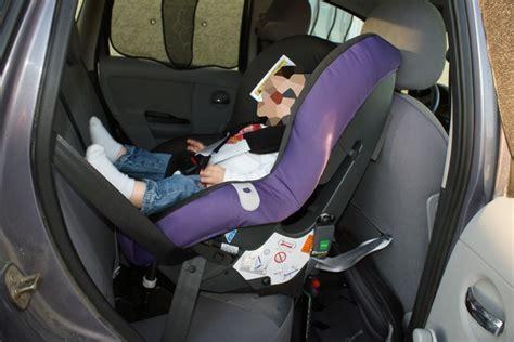 siege auto britax hi way 2 siège auto et ceinture bloquée renault forum marques
