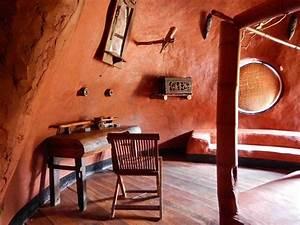 des eco domes insolites a madagascar With maison toit de chaume 10 petite maison malgache en bois de palissandre