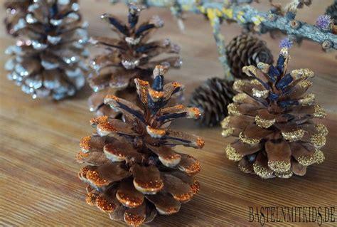 basteln mit tannenzapfen weihnachten basteln mit tannenzapfen basteln mit kindern