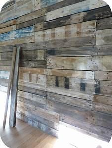 mon mur en palettes madame ki With habiller un mur exterieur en bois 5 comment decorer un interieur avec des lames de bois
