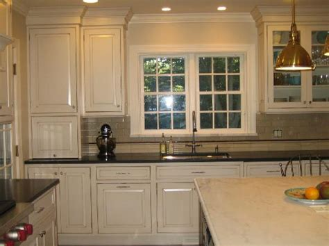 kitchen paint colors with cream cabinets finding the right cream kitchen cabinets my kitchen