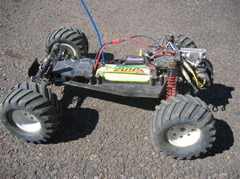 toy monster trucks videos file traxxas rustler triddle jpg wikipedia