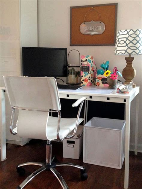 ideas  tips  choose   desk  small space