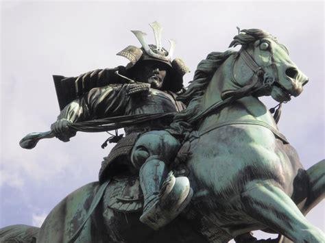 awesome samurai statue  tokyo photo