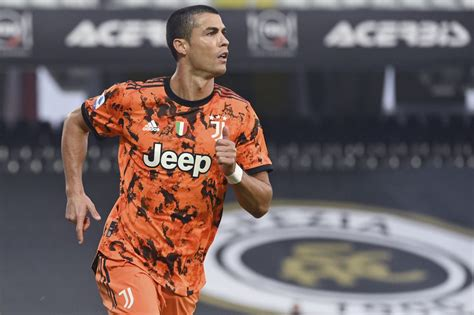 Ferencvaros vs. Juventus FREE LIVE STREAM (11/4/20): Watch ...
