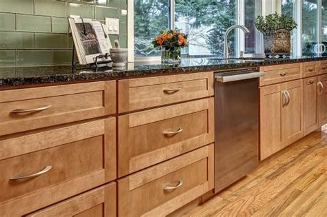 Quality Kitchen Cabinets by 5 Tips For Buying High Quality Kitchen Cabinetry Zillow