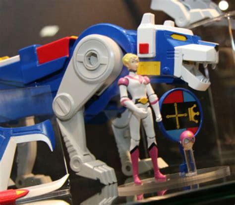 mattel voltron transforms toy