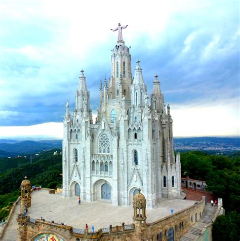 Newsnow aims to be the world's most accurate and comprehensive fc barcelona news aggregator, bringing you the latest equip blaugrana headlines from the best barça sites and other key national and international sports sources. 5 people at Tibidabo, Barcelona, Spain.