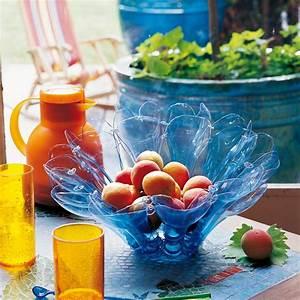 Bricolage Avec Objets De Récupération : une coupe fruits en r cup de plastique marie claire ~ Nature-et-papiers.com Idées de Décoration