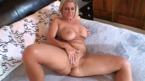 So Hot Housewife Red Hot Tube Hd Porn Video E0 Xhamster