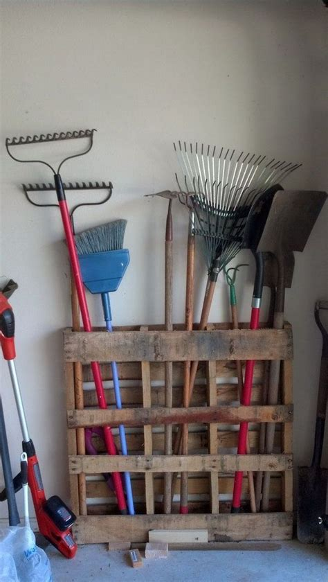 rake  tool holder diy storage projects