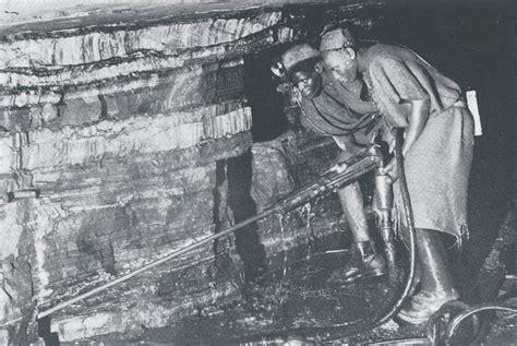amosite asbestos miners image  vintage publication