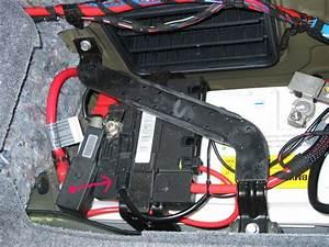 Batterie Bmw 320d : battery safety terminal exploded disconnect the starter cable ~ Gottalentnigeria.com Avis de Voitures