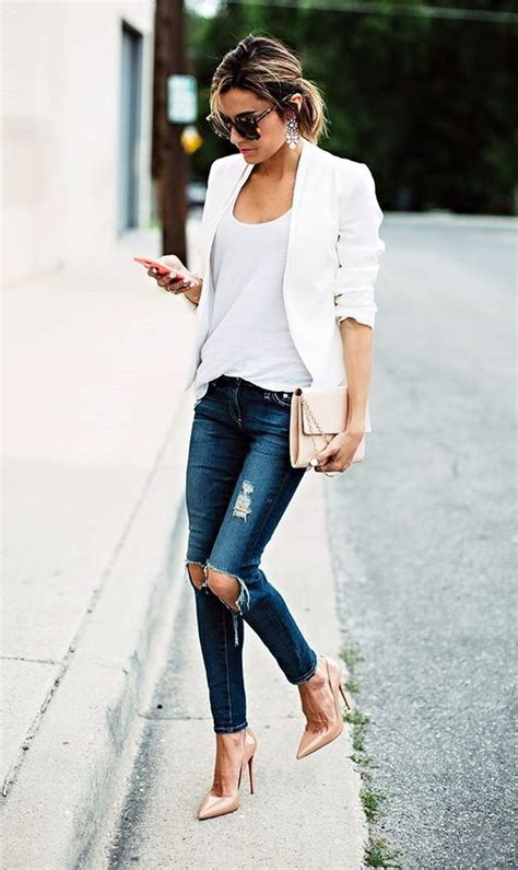 Ripped Jeans Outfit Ideas 2018 | FashionTasty.com