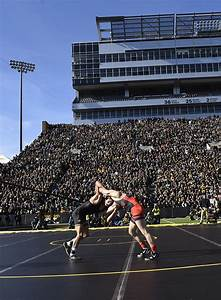 Record Crowd Had Ui Wrestlers U0026 39  Backs
