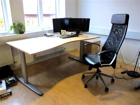 foersaeljningsobjekt kontorsmoebler skrivbord kinnarp