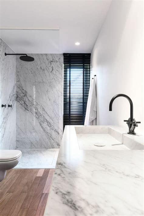 meuble cuisine vitré les 25 meilleures idées de la catégorie salle de bains sur