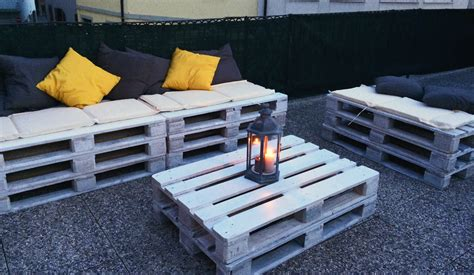 How To Build A Pallet Sofa For The Garden €� The