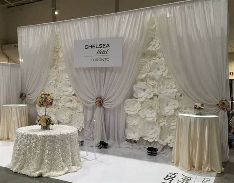 unique  breathtaking wedding backdrop ideas cuethat