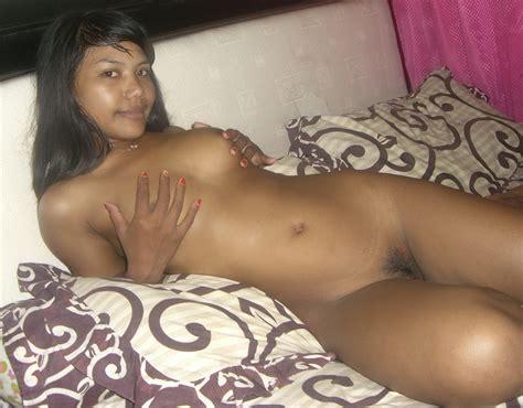 Sexy Indonesian Teen Pussy Teen Gets Fucked