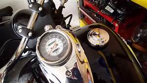 V Star 650- How To Remove Gas Cap   For Newbies