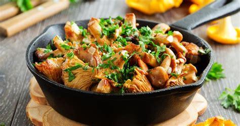 cuisine girolles recettes à base de girolles faciles rapides minceur pas cher sur cuisineaz