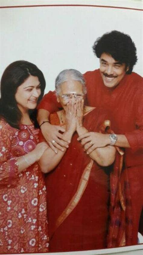 khushboo sundar  celebrate  wedding anniversary rare