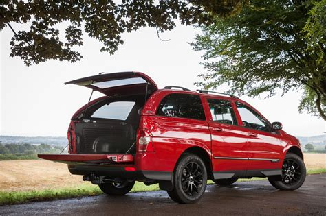 Ssangyong Musso Se 2.2d Pick-up Truck Review