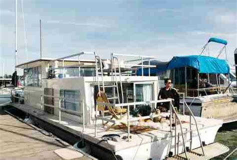 Airbnb Boats Sausalito by The Coolest Us Houseboats On Airbnb Thrillist
