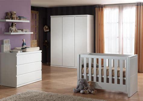 chambre à coucher bébé pas cher chambre bébé complète contemporaine coloris blanc elara