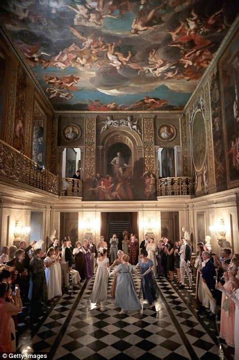 revellers  georgian attire celebrate  years  jane austens   chatsworth house