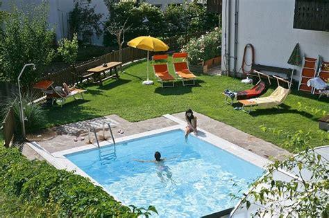 Swimmingpool Luxus Im Eigenen Garten by Eigenes Schwimmbecken Im Garten Der Weg Zu Ihren Tr 228 Umen