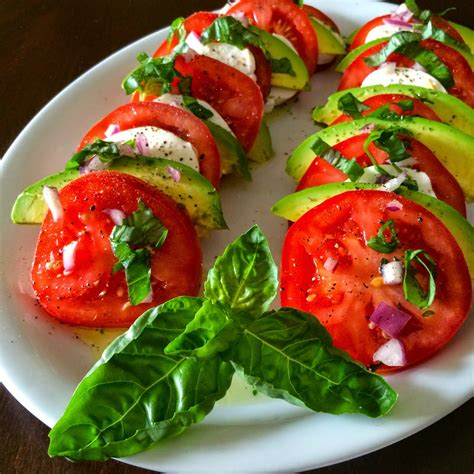 cuisine salade food impressions avocado caprese salad