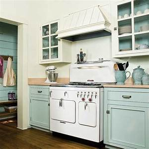 4 paint kitchen cabinets in a two tone scheme 13 With best brand of paint for kitchen cabinets with antique looking wall art