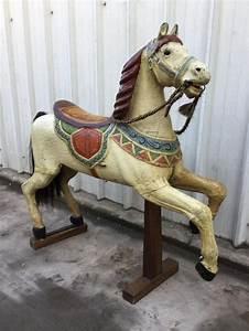 Cheval En Bois à Bascule : cheval de man ge en bois poque 1900 carrousel david ~ Teatrodelosmanantiales.com Idées de Décoration
