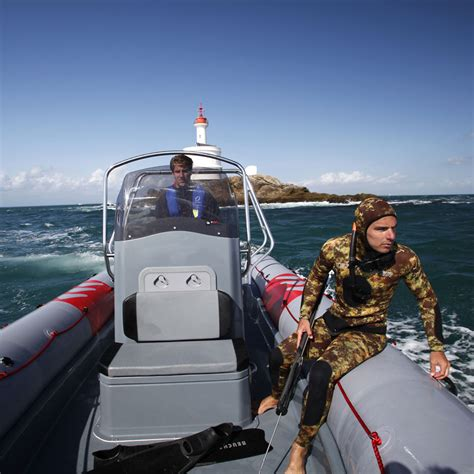 Zodiac Boat Davits by Home Zodiac Nautic Inflatable And Rigid Inflatable Boats