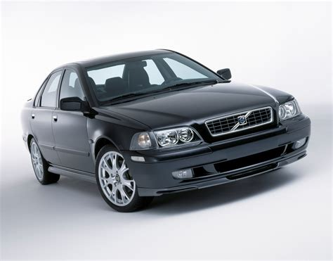 volvo group global volvo s40 and v40 new limited edition sports pack volvo