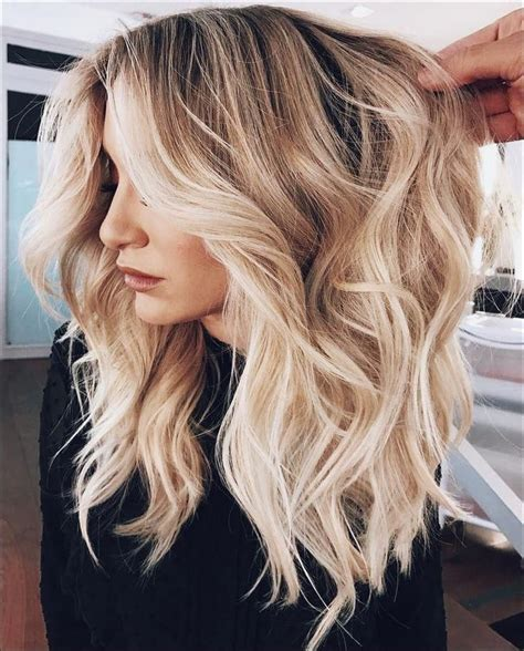 30 Blonde Hair Color Trends 2020 in 2020 Balayage frisur