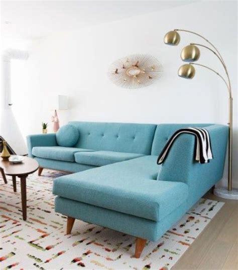 sofa seccional turquesa un gran sof 225 seccional color turquesa ocupa la mitad de