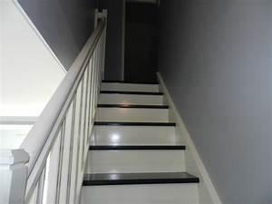 Peindre Escalier En Bois : lovely peindre escalier bois en gris 23 peindre un ~ Dailycaller-alerts.com Idées de Décoration