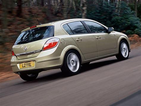 VAUXHALL Astra Hatchback specs & photos - 2004, 2005, 2006 ...