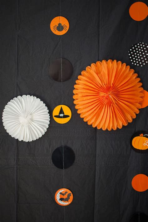 diy halloween party backdrops   easily  shelterness