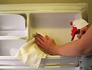 Nettoyer Interieur Voiture Tres Sale : comment nettoyer un frigo tr s sale en 6 tapes sans utiliser de javel ~ Gottalentnigeria.com Avis de Voitures