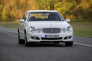 Mercedes E 300 : 2008 mercedes e300 bluetec review top speed ~ Medecine-chirurgie-esthetiques.com Avis de Voitures