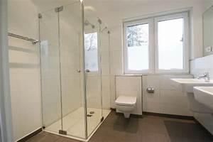 Dusche Mit Fenster : fenster in dusche raum und m beldesign inspiration ~ Bigdaddyawards.com Haus und Dekorationen
